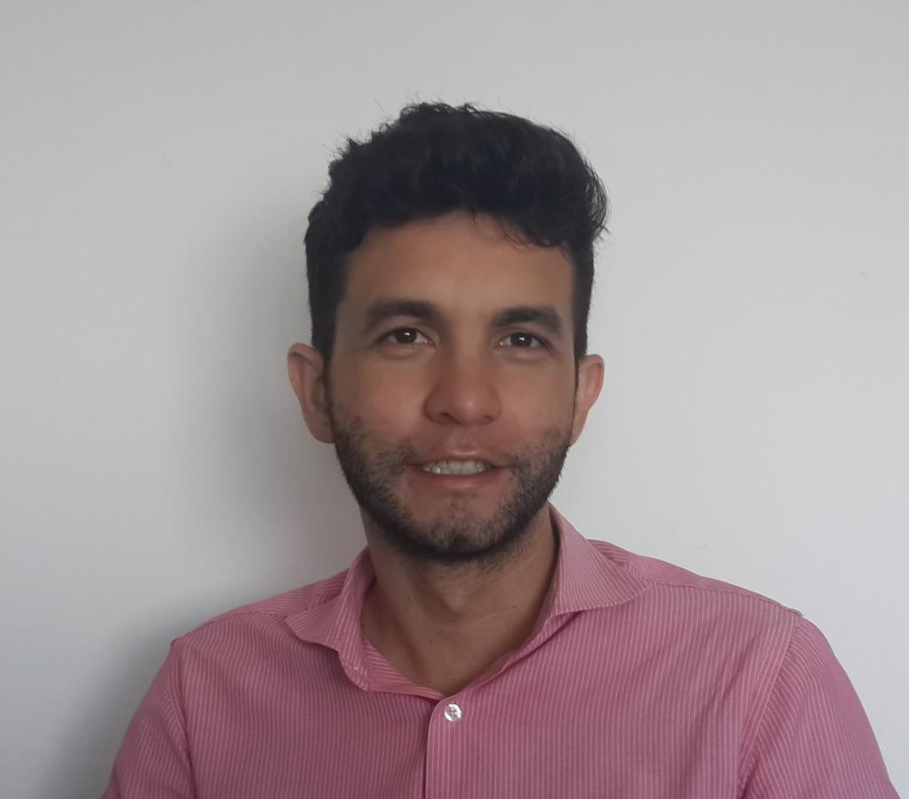 <h3>Leandro Bonfim</h3>
